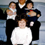 """Nonno """"Niuccio"""" e i suoi tre amatissimi nipoti. 1993"""