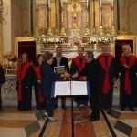 """Il Coro """"Armonia"""" riceve la targa commemorativa della serata"""