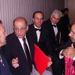 Il M° Filippo Veniero con il M° Giuseppe Polese, Direttore del Coro Jubilate Deo, il Presidente del Coro Jubilate Deo Salvatore Langella e altri coristi (2 ottobre 2005).